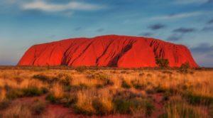 Hora Uluru v Austrálii zažívá nápor turistů